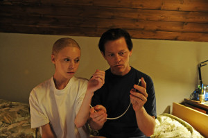 "Thure Lindhardt und Antonia Campbell-Hughes in ""3096 Tage"" (2013)"