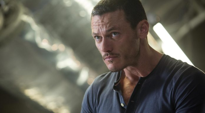 Luke Evans ist The Crow