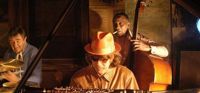 Jazzclub – Der frühe Vogel fängt den Wurm (2004)
