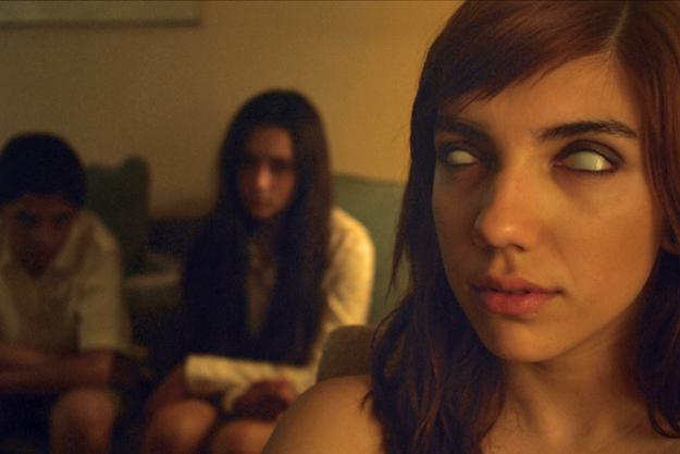 Here Comes the Devil (2012) Filmbild 1