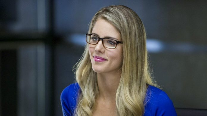 Felicity Smoak Mutter