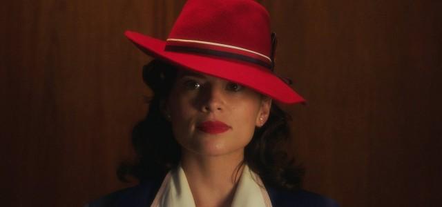 """Schick und gefährlich – Hayley Atwell auf dem """"Agent Carter""""-Serienposter"""
