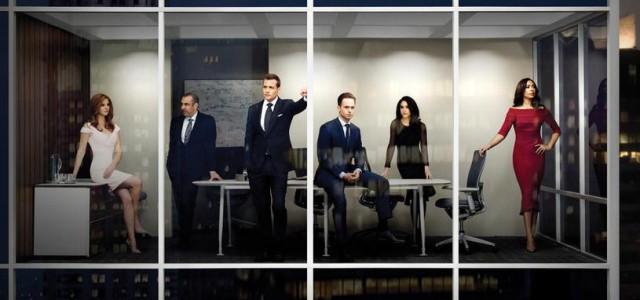 """""""Suits"""" Staffel 5: Erstes Poster warnt vor Steinen in Glasbüros"""
