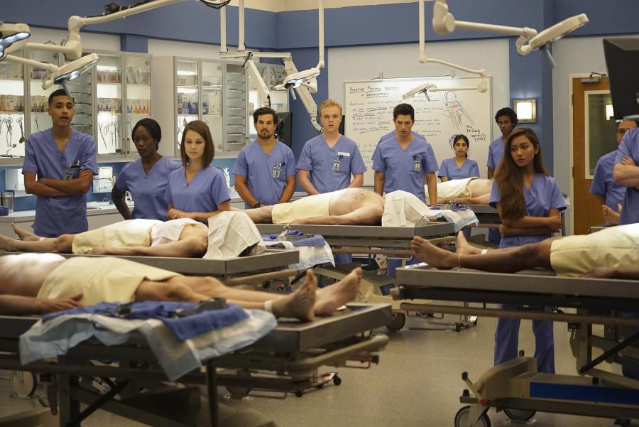 Quot Grey S Anatomy Quot Season 12 Erste Fotos Von Der