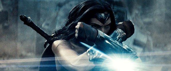 Batman v Superman Poster und Bilder 4