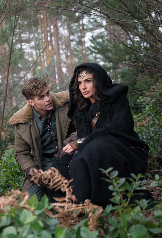 Wonder Woman Poster & Bilder 2
