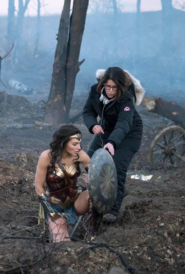 Wonder Woman Poster & Bilder 1
