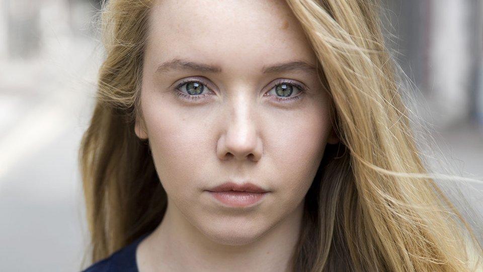 Lauren Lyle Outlander Staffel 3