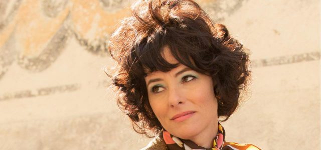 "Netflix' ""Lost in Space""-Reboot besetzt Parker Posey als Dr. Smith"