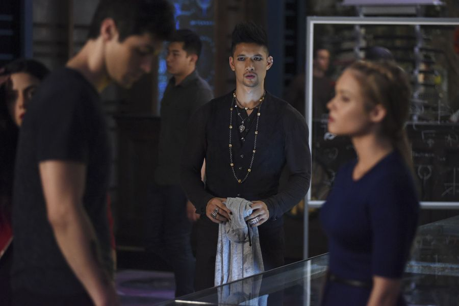 Shadowhunters Season 2 Bild 4