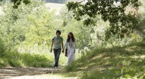 Romantische Idylle in Die wilde Zeit (2012) von Olivier Assayas.