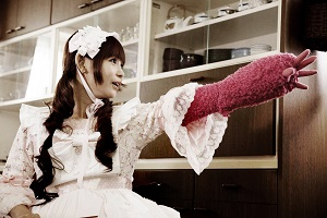 Gothic Lolita Battle Bear (2014) Filmbild 1