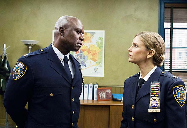 Brooklyn Nine Nine Season 2 Kyra Sedgwick