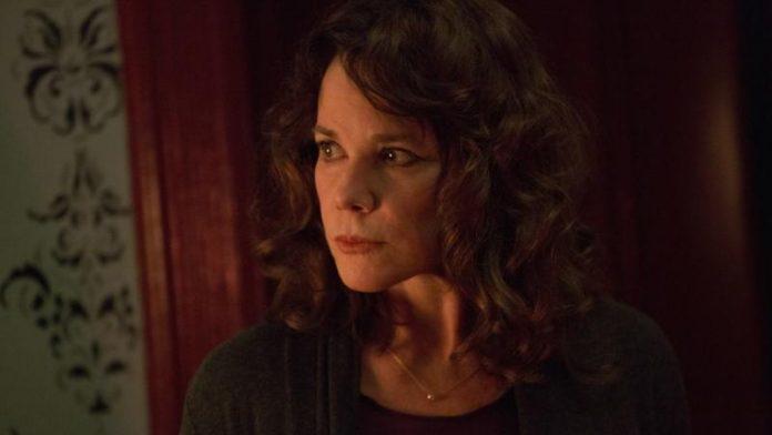 Barbara Hershey Spielt In Damien Die Mentorin Des Antichristen