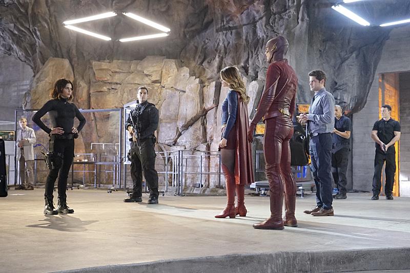 Supergirl The Flash Crossover Trailer Bild 3
