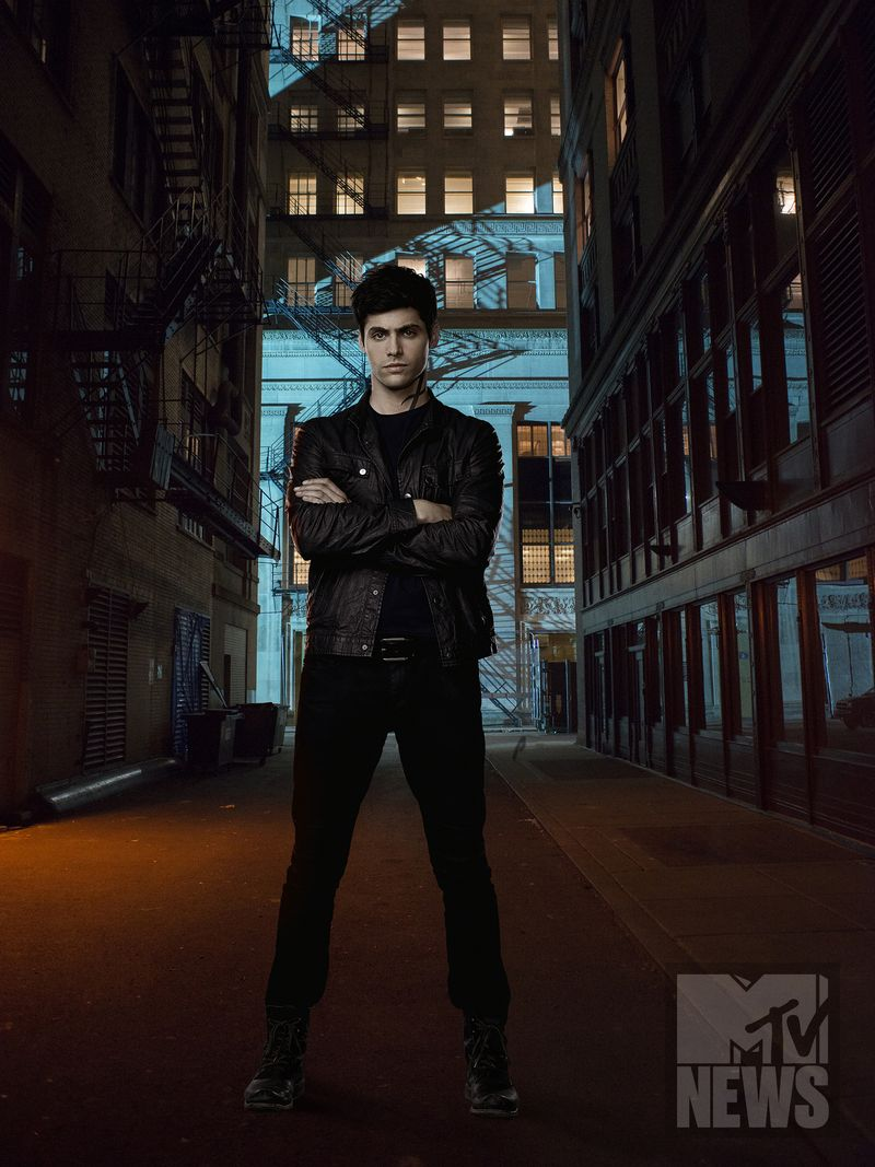 Shadowhunters Season 2 Poster 6