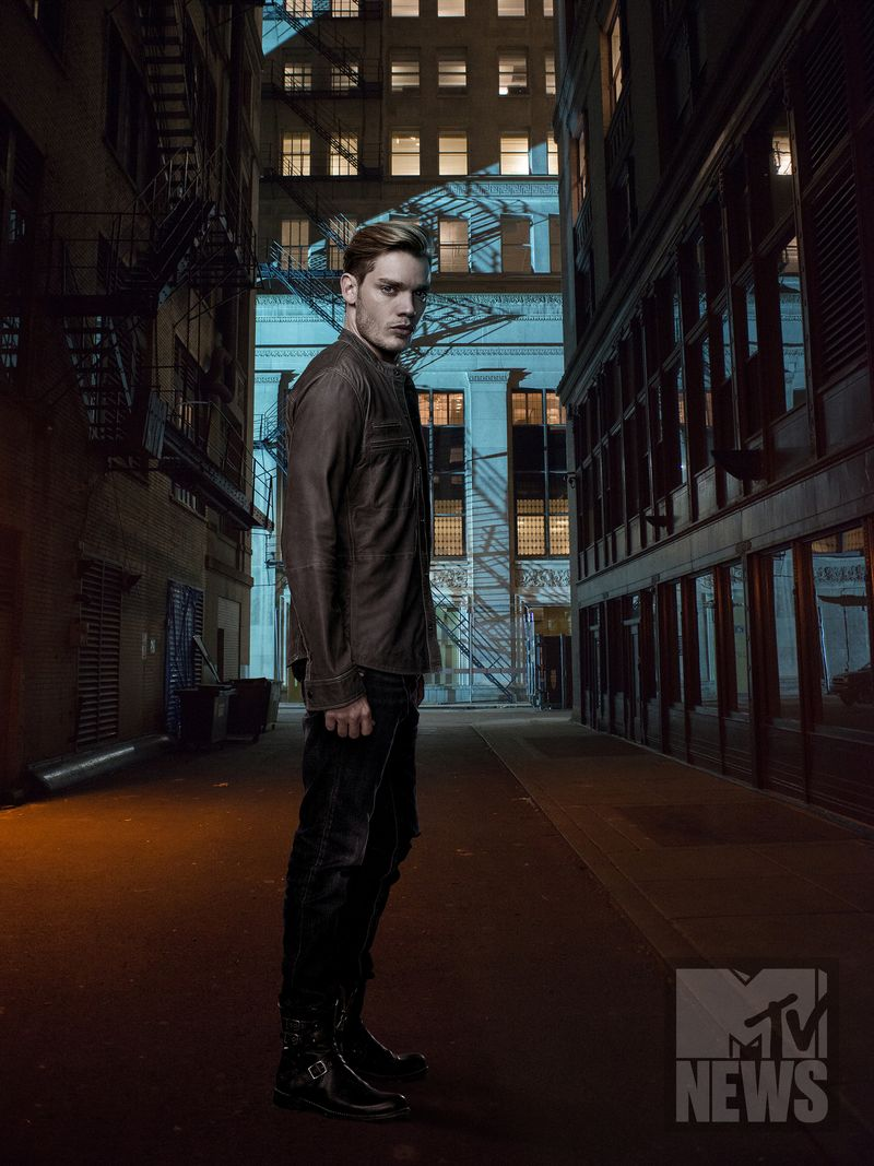 Shadowhunters Season 2 Poster 3