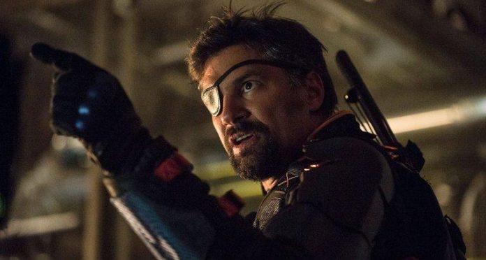 Update Arrow Bringt Manu Bennett Als Deathstroke Zurück