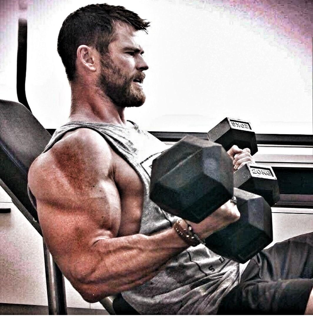 Chris Hemsworth Muskeln 2