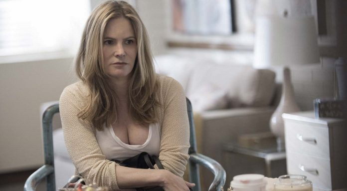 Hunters Staffel 2 Jennifer Jason Leigh